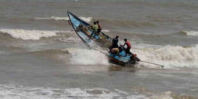 Cyclone Vayu remains practically stationary, says IMD